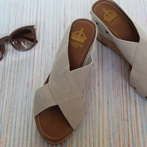 Crown vintage Wedge sandals